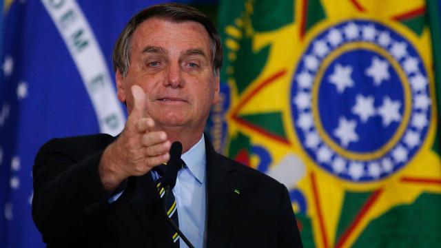 Bolsonaro sanciona Lei do Mandante, que altera regras de transmissão de jogos