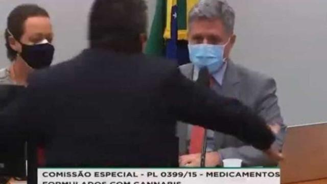 Bolsonarista agride petista em sessão sobre uso medicinal da cannabis