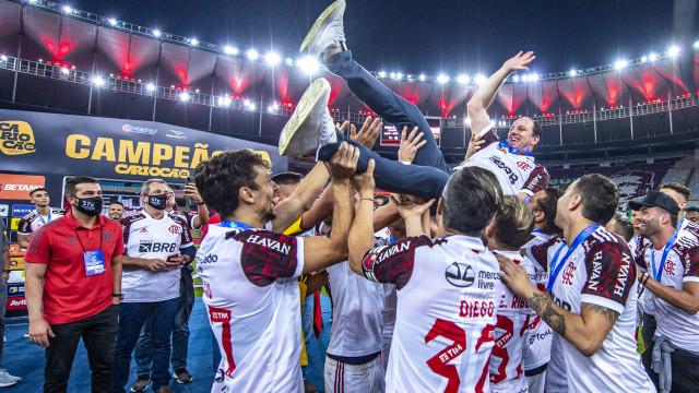 Ceni faz coro para Gerson desistir de trocar Flamengo pelo Olympique de Marselha