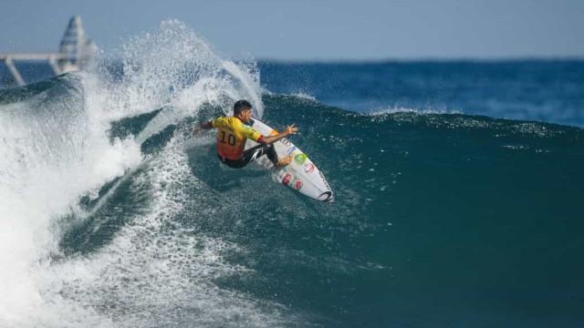 Medina se destaca em estreia na etapa do Surf Ranch e garante vaga na WSL Finals