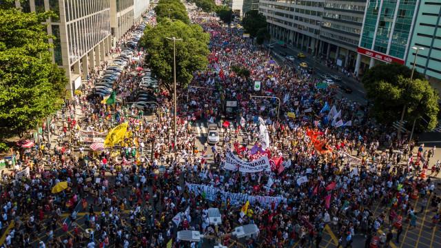 Manifestações contra Bolsonaro seguem em todo o País