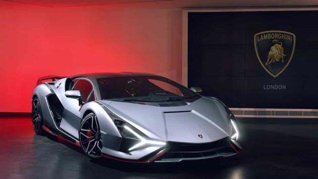 Brasileiro causa tumulto ao ir buscar Lamborghini de R$ 22 milhões em Londres