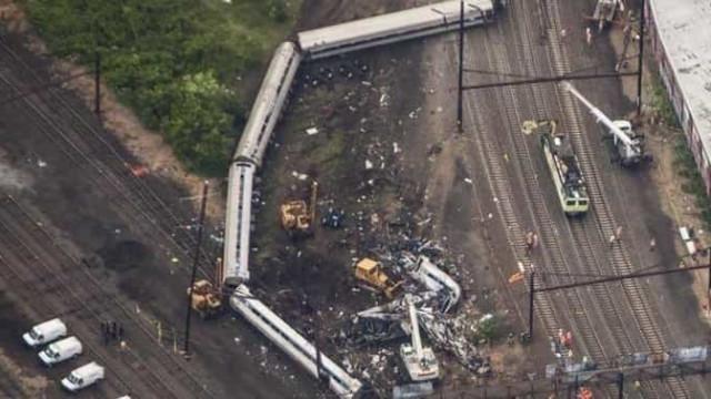 Nove pessoas morrem atropeladas por trem na China