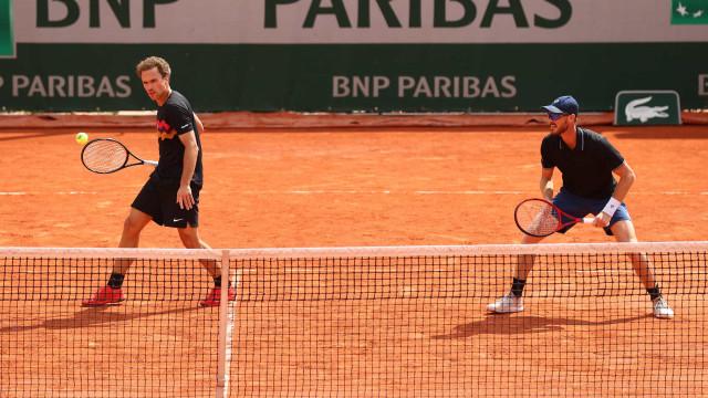 Bruno Soares e Jamie Murray se despedem de Roland Garros com derrota nas oitavas