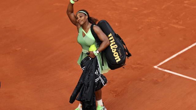 Serena Williams perde e é eliminada nas oitavas de final em Roland Garros