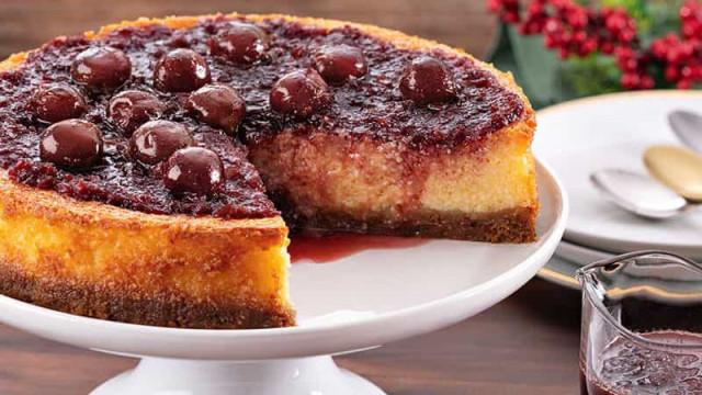 Receita: Cheesecake de Cerejas ao Vinho do Porto