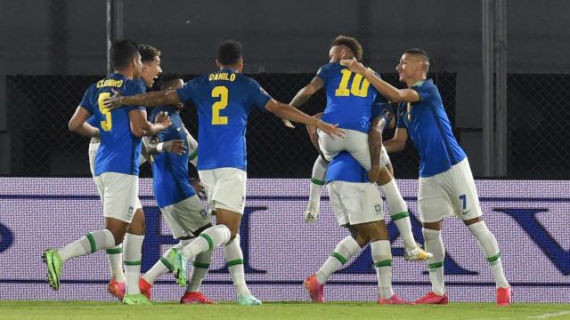 Primeiro treino da seleção para a Copa América conta com Gabriel e Thiago Silva