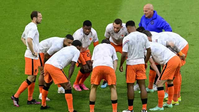 Em um grande duelo, Holanda derrota a Ucrânia, por 3 a 2, pela Eurocopa