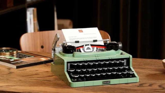 LEGO cria conjunto de 2 mil peças para fazer máquina de escrever clássica