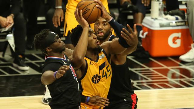Clippers vencem Jazz com autoridade e empatam semifinais do Oeste em 2 a 2