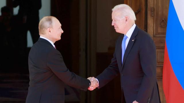 Biden e Putin concordam em discordar durante cúpula pragmática