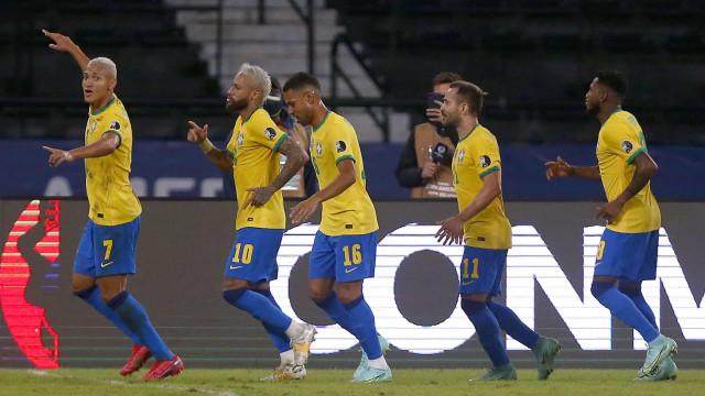 Tite destaca 'relação de lealdade' com Neymar e pede calma com Gabigol