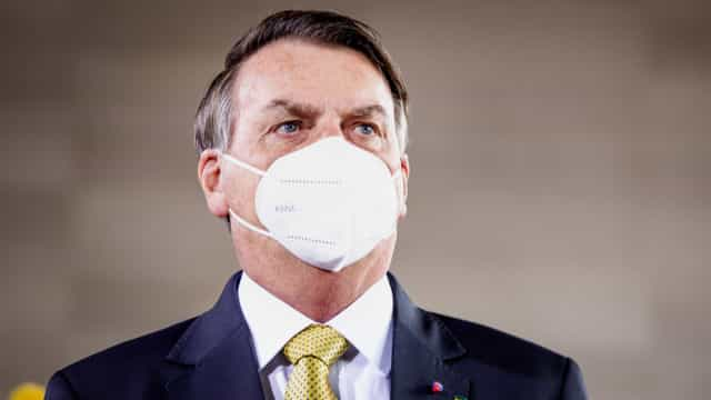 CPI adia relatório por impasse na forma de indiciar Bolsonaro por homicídio