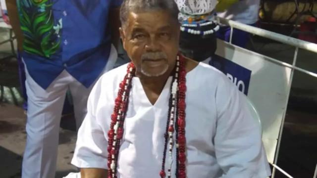 Morto por covid, diretor de carnaval Laíla é enterrado no Rio