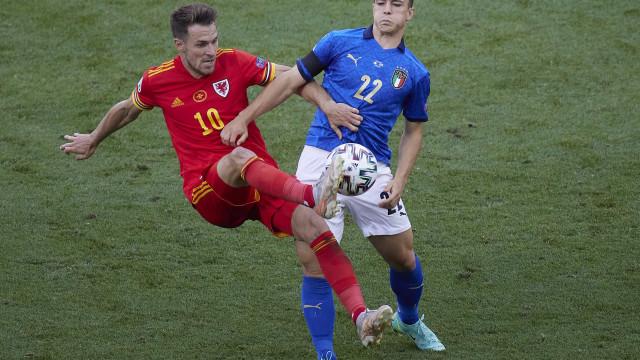 Itália vence País de Gales e avança em 1º do grupo na Euro; Suíça bate Turquia