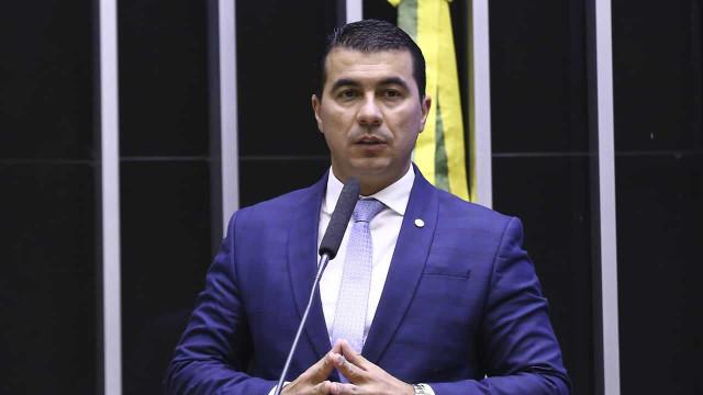 Luis Miranda diz que Ministério da Saúde bloqueou acesso do irmão ao sistema