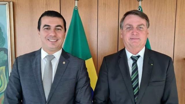 Covaxin: Bolsonaro diz ter pedido investigação de 'prontuário' de Miranda