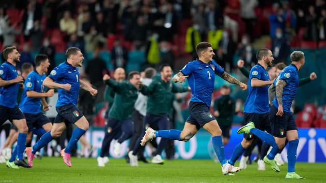 Itália elimina a Espanha nos pênaltis e vai disputar a final da Eurocopa