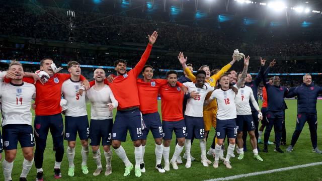 Inglaterra vence Dinamarca e faz final da Eurocopa com Itália