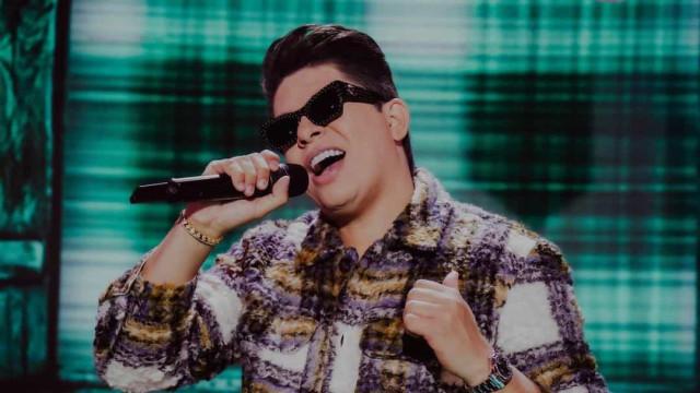 Rádios e TVs tiram músicas de DJ Ivis do ar após acusação de agressão