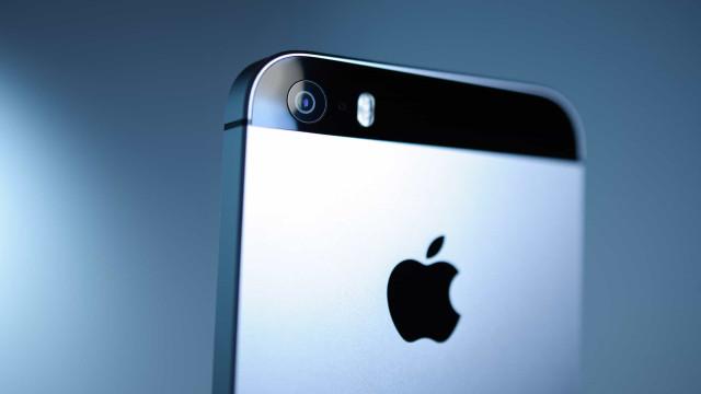 Apple planeja lançar novo iPhone SE no próximo ano