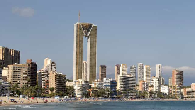 Tem 47 andares e 256 apartamentos: Eis o maior arranha-céus da UE