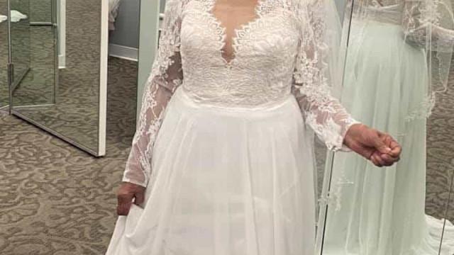 Avó de 94 anos cumpre sonho e se veste de noiva pela primeira vez