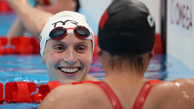Ledecky estabelece recorde olímpico nos 1500m livre; brasileiras caem
