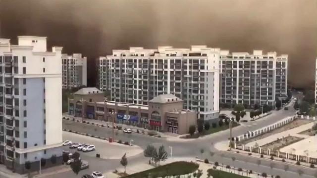 Vídeo mostra como tempestade de areia 'engoliu' cidade chinesa