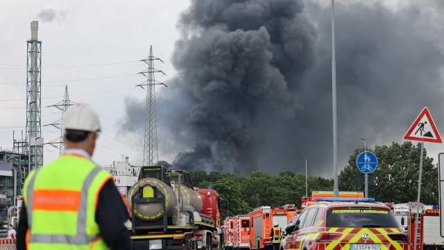 Explosão em parque industrial mata um na Alemanha; há desaparecidos