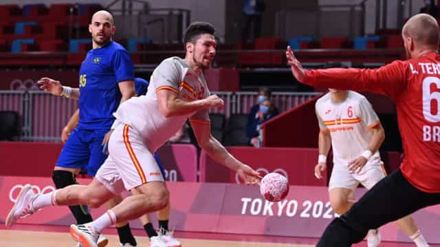 Brasil perde 3ª seguida no handebol masculino e se complica nos Jogos de Tóquio