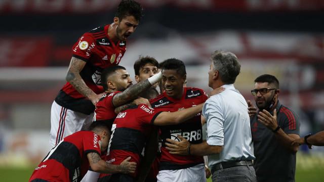 Flamengo faz 6 a 0 no ABC e fica perto das quartas de final da Copa do Brasil