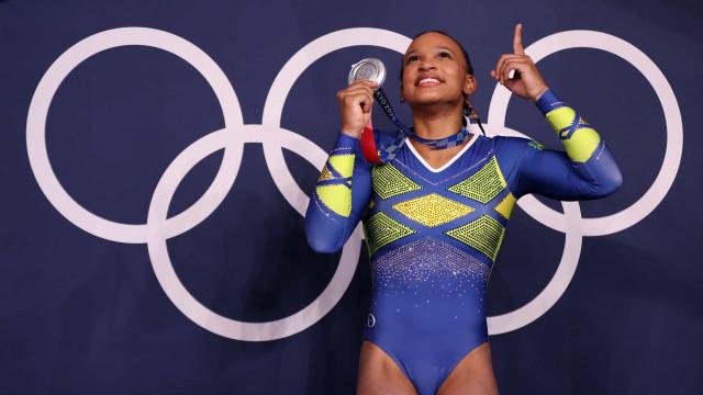 Rebeca Andrade vai ser a porta-bandeira do Brasil na cerimônia de encerramento