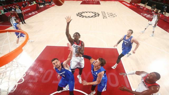 Estados Unidos vencem República Checa e avançam às quartas do basquete em Tóquio