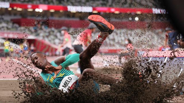 Brasileiros ficam de fora da final do salto em distância