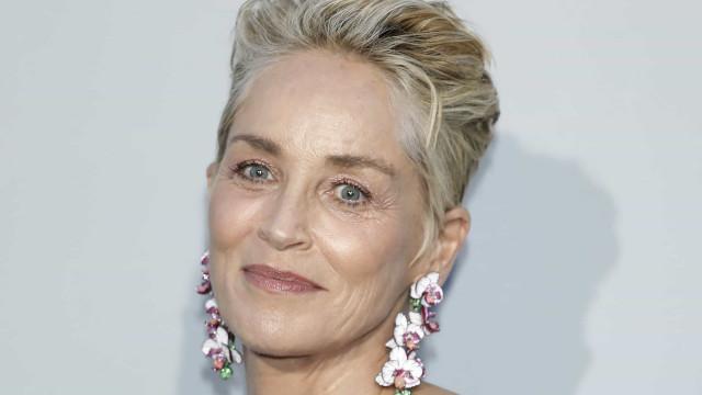 """Sharon Stone """"ameaçada"""" de perder emprego após insistir na vacinação"""