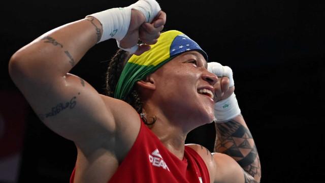 Beatriz Ferreira vence e garante pelo menos o bronze no boxe nos Jogos de Tóquio