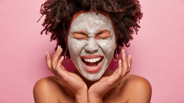 O que precisa de saber acerca das máscaras faciais de argila