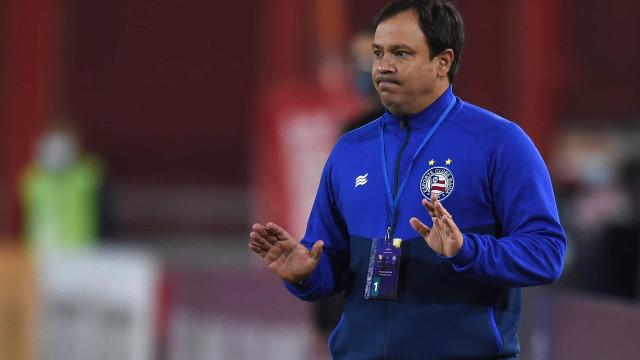 Sem vencer há seis jogos, Bahia anuncia a saída do técnico Dado Cavalcanti