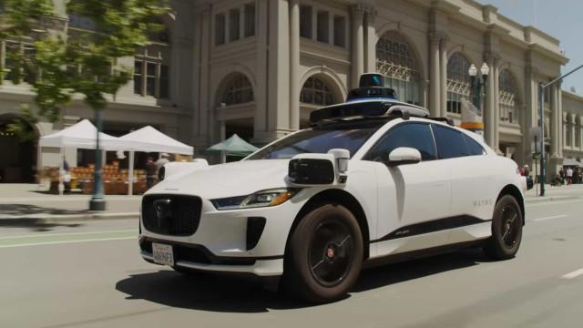 Waymo começou a oferecer viagens em carros autônomos