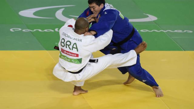 Antônio Tenório vence moldavo e se classifica para as semifinais no judô