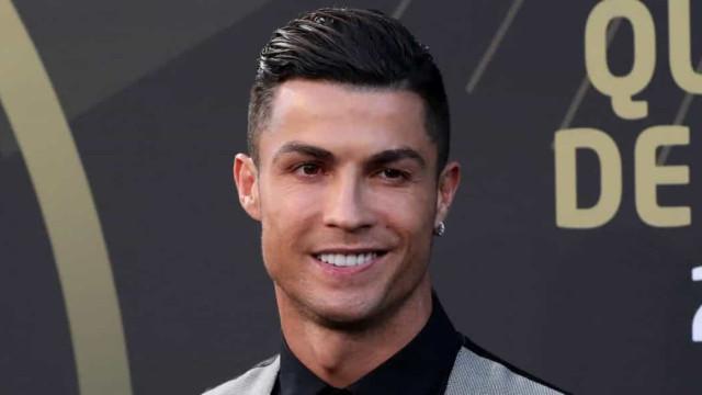 Perto da reestreia no United, Cristiano Ronaldo celebra camisa 7: 'número mágico'