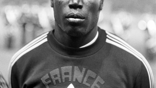 Morre Jean-Pierre Adams, jogador francês que estava em coma há 39 anos