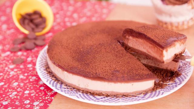 Receita: Torta de Capuccino com Chocolate Amargo