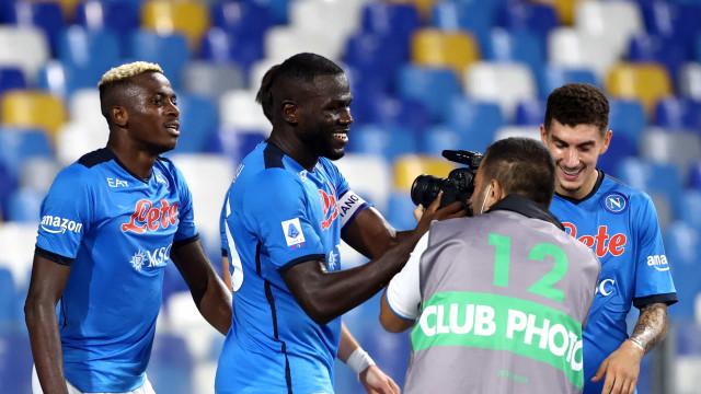 Napoli busca virada nos últimos minutos e mantém jejum da Juventus no Italiano