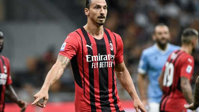 Ibrahimovic faz contra e a favor, Milan bate Bologna e assume liderança na Itália
