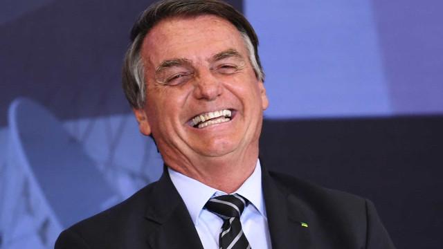 """Bolsonaro defende que seu """"time"""" de ministros está """"indo bem"""""""