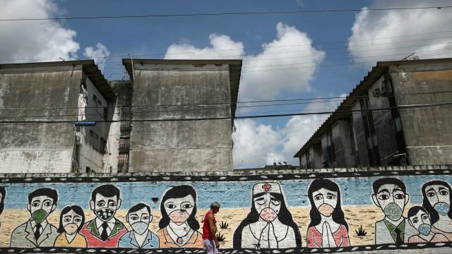 Brasil registra mais 800 mortes por Covid-19 e 14.780 novos casos