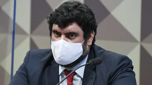 CPI da Covid convoca ex de Bolsonaro, e lobista confirma relação próxima com Jair Renan