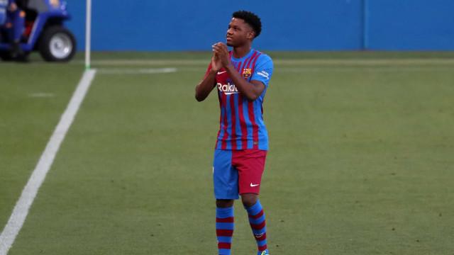 Novo camisa 10 do Barcelona, Ansu Fati se recupera de lesão e volta a treinar